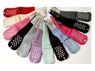 Diba Protiskluzové vlněné dětské ponožky - vel.1 (6-12m)